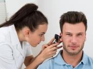 ઇયર વેકસ ઇમ્પેક્શનઃ કારણો, લક્ષણો અને સારવાર