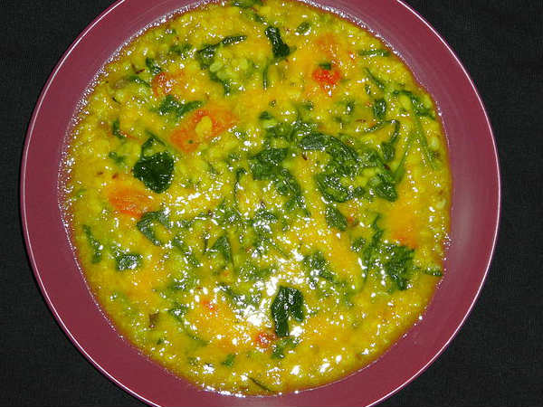 How To Make Dal Palak Simple Moong Dal Preparation