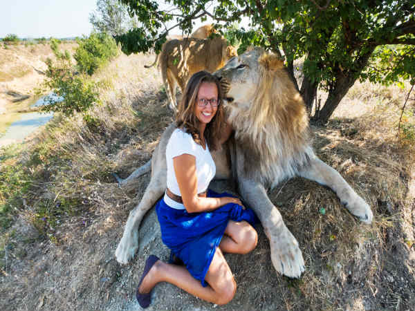 ethiopian girl who saved from three lion