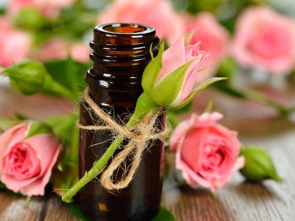 ત્વચા અને વાળ માટે રોઝશીપ તેલના ફાયદા