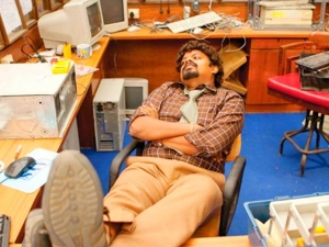 Things You Should Stop Doing At Work 028772 Pg