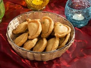 Diwali Special No Sugar Baked Anjeer Gujiya