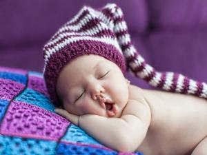 Ways Make Your Baby Sleep Alone