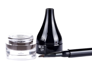 The Many Ways You Can Use Facial Oil