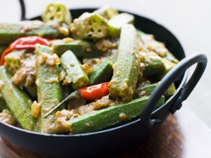 How Make Achari Dahiwali Bhindi