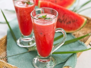 Cool Natural Drinks Beat Heat Stroke