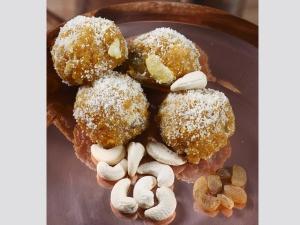Ramzan Special Dates Nuts Ladoo