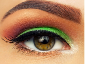 Make Up Rules You Should Follow While Wearing Contact Lenses