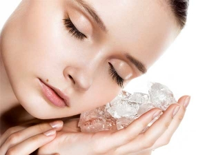 How To Use Ice Cubes For Skincare